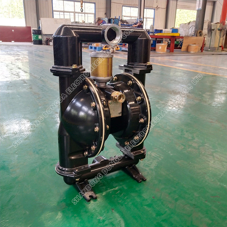Pneumatic diaphragm pump for mine